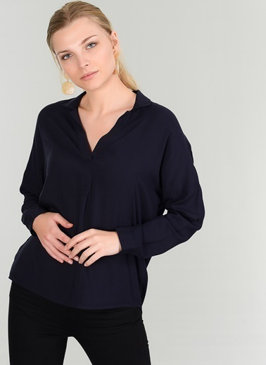 People By Fabrika Yarım Patlı Bluz Lacivert